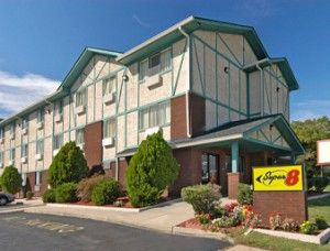 Our Super8 Portsmouth VA Hotel offers world class amenities and services. Stay at our hotel in Portsmouth VA and enjoy nearest famous local attractions in virginia.