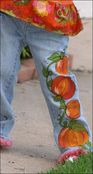 ~jeans..painted by hand~ I love doing this, for awhile any fabric .... very good time of my life.
