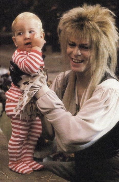 Intimate photos of David Bowie, Jennifer Connelly & more from the set of 'Labyrinth' | Dangerous Minds