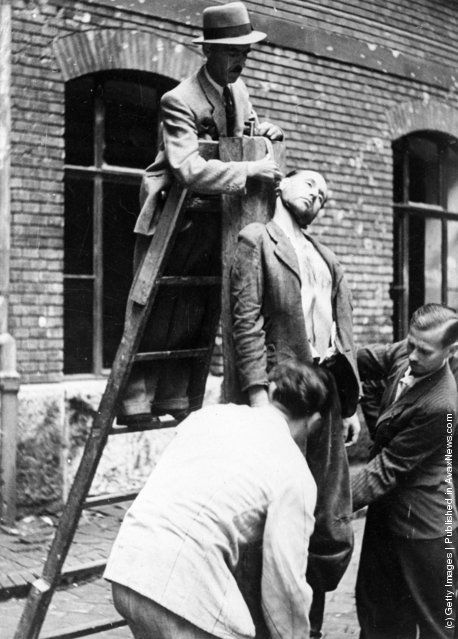 Women hanged by nazis