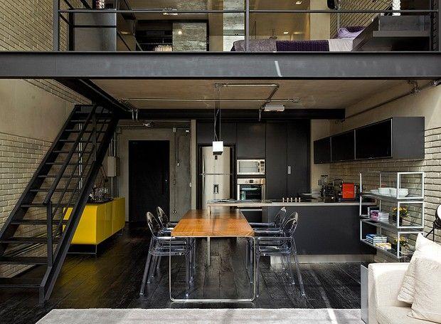 Os tons preto e cinza predominam este apê de 100 m², no estilo dos lofts nova-iorquinos (Foto: Divulgação)
