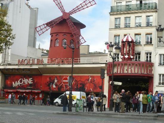 Culturefish! Tours: Moulin Rouge