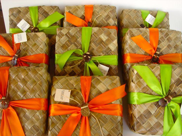 Hawaiian Wedding Gift Baskets : gift baskets wedding gifts expressions hawaii forward wedding gifts of ...