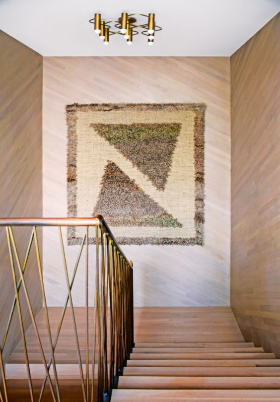 Kelly Wearstler Malibu Home Vogue Living Photo By Nick Hudson Staircase  Custom Brass Railing Vintage Wall Rug