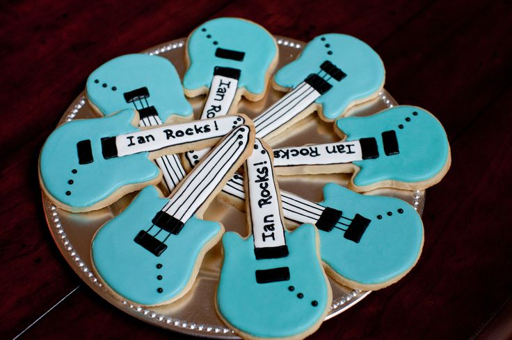 rocker baby shower guitar cookies | Posted in Baby Boy , Baby Shower | Leave a comment