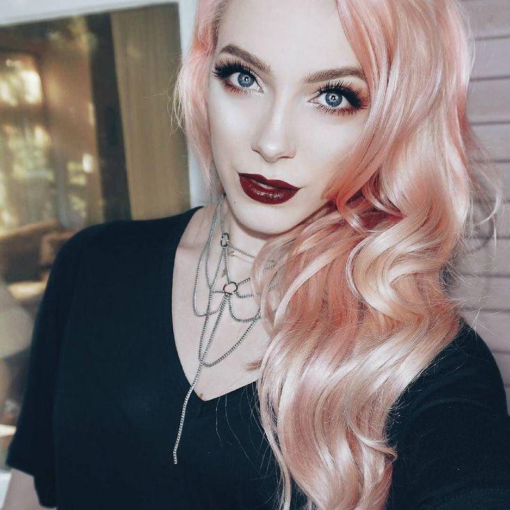 @leighdickson es una artista de maquillaje y youtuber canadiense con excelentes tutoriales de belleza. - #tumaqui #makeup #maquillaje #tips #belleza #contorno #makeuplover #makeuprevolution #labios #lipstick #iluminador #vidademaquilladora #gloss #blogger #envios #gratis #nacional #internacional #box #productos #instamakeup #base #blush #maquillador #delineador #makeupaddict #fashion #mujer #moda #makeupfan