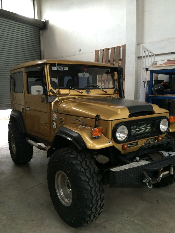 17 best images about toyota land cruiser on pinterest toyota jeep cj7 and station wagon. Black Bedroom Furniture Sets. Home Design Ideas