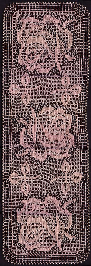 ©2001 Dan Rusch-Fischer, Filet-Crochet Doily - 3 Roses