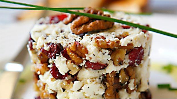 Čerstvý kozí sýr sbrusinkami a vlašskými ořechy   Prima Fresh