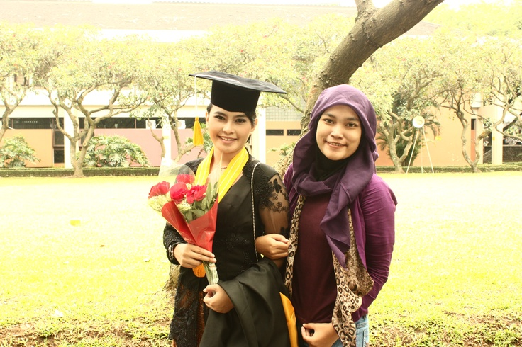 me with the graduated girl :D