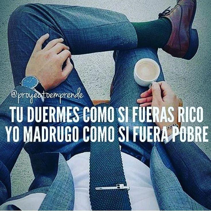 #Repost @winn_pagina Mientras otras personas pasan el día como Flojos y luego se quejan de xq llevan la vida que tienen Tu te levantas tempranos para poder lograr tus sueños y la vida que quieres. @proyectoemprende #FrasesWinn #motivacion #emprendedores #emprender #buenosdias #feliz #dia #merecesloquesueñas #venezuela #frases #como #motivarte