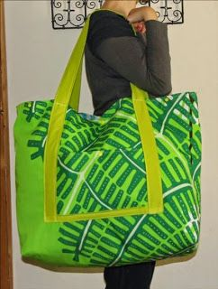 Tuto photos pour réaliser un grand sac de plage complet. Blog LaisseLuciefer.