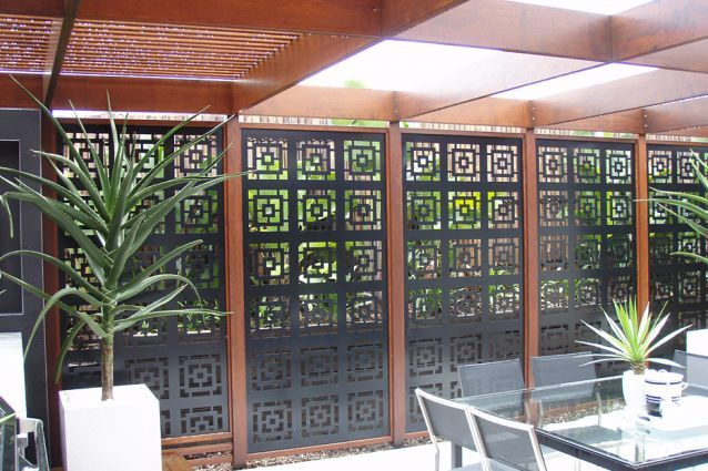 Pergola roof and wall panels – Metricon Homes. Screening by Screen Art