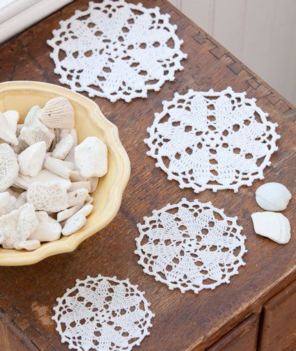 Hearts Desire Doily. FREE pattern. Level=Easy. Includes a video tutorial