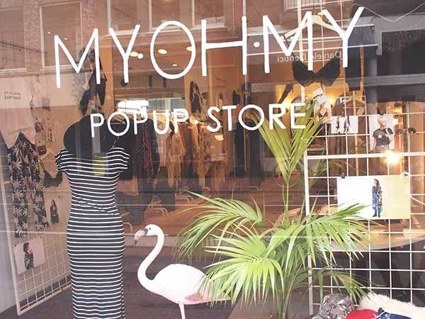 In de Haarlemmerstraat in Amsterdam heeft zich wederom een pop-up store gevestigd. Een pop-up store met beleving en fashion. Take a look!