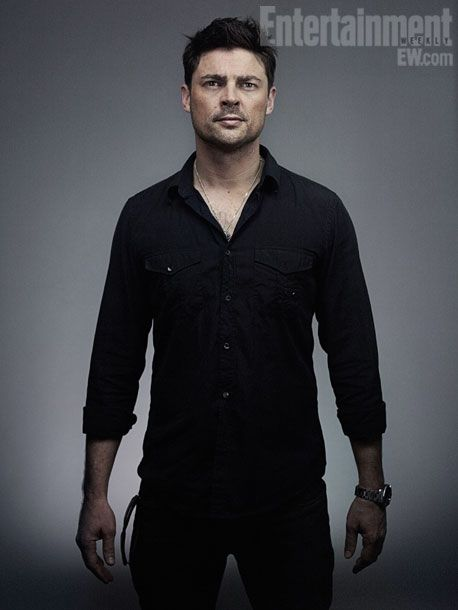 Karl Urban where have you been hiding?? I think I need to rewatch The Lord of the Rings.