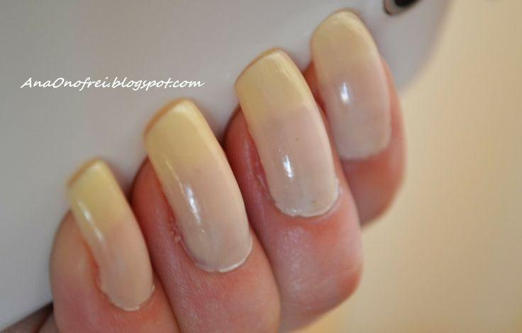 http://anaonofrei.blogspot.ro/2014/01/todays-nails-cream.html