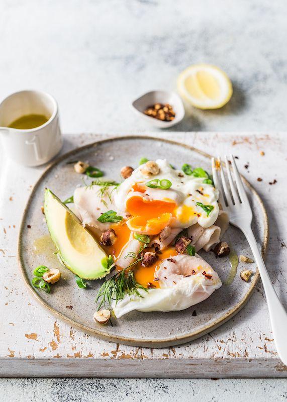 Breadless eggs Benedict - Frühstück / Breakfast - To eat healthy food Healthy Breakfast Recipes, Healthy Foods To Eat, Brunch Recipes, Healthy Eating, Healthy Recipes, Healthy Smoothies, Diet Recipes, Breakfast And Brunch, Mexican Breakfast
