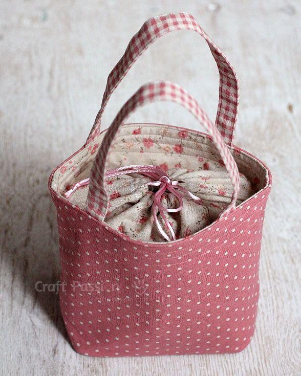 Joanne del blog Craft passion  nos enseña como confeccionar una bonita bolsa con cierre de cordón para llevar el almuerzo o lo que quieras....