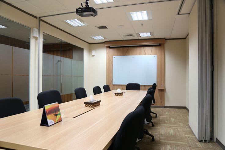 CSUL Finance Meeting Room - pumainterior.com