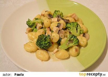 Gnocchi s brokolicí, tofu a žampiony recept - TopRecepty.cz
