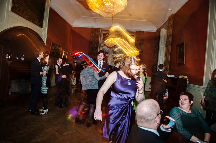 BRÖLLOPSFOTOGRAF BRAND & BRINDLE // www.brandochbrind... // maja@brandochbrin... #wedding #love #kärlek #bröllopsdag #porträtt #bröllopsporträtt #bröllopsklänning  #bröllop #bröllopstockholm #bröllopuppsala #vinterbröllop #norrlandsnation