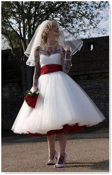 robe de mariée rétro vintage                                                                                                                                                                                 Plus