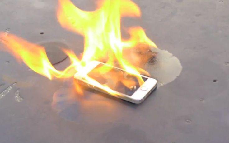 iPad Air Explosion im Vodafone Shop, brennendes iPhone 5s gold im Video! - http://apfeleimer.de/2013/11/ipad-air-explosion-im-vodafone-shop-brennendes-iphone-5s-gold-im-video - Apple muss gleich zweimal mit den Flammen kämpfen. In einem Vodafone Store in Canberra wurde nach einem explodierten iPad Air ein Großalarm ausgelöst, der die komplette Evakuierung des lokalen Vodafone Shops nach sich zog. Verletzt wurde niemand, weder Vodafone Kunden noch Angestellte. Etwas th...