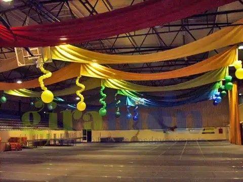 9 best decoracion con globos images on pinterest balloon for Decoracion con telas