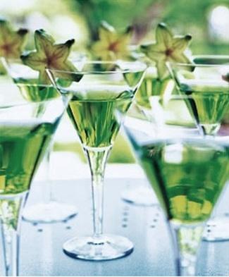 Emerald green wedding ideas, green cocktails