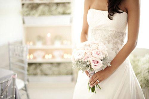 ♔ Enchanted Fairytale Dreams ♔: Dresses Wedding, Wedding Dressses, White Wedding, Wedding Bouquets, Bride Bouquets, Wedding Style, Beautiful Wedding Dresses, The Dresses, Wedding Bride