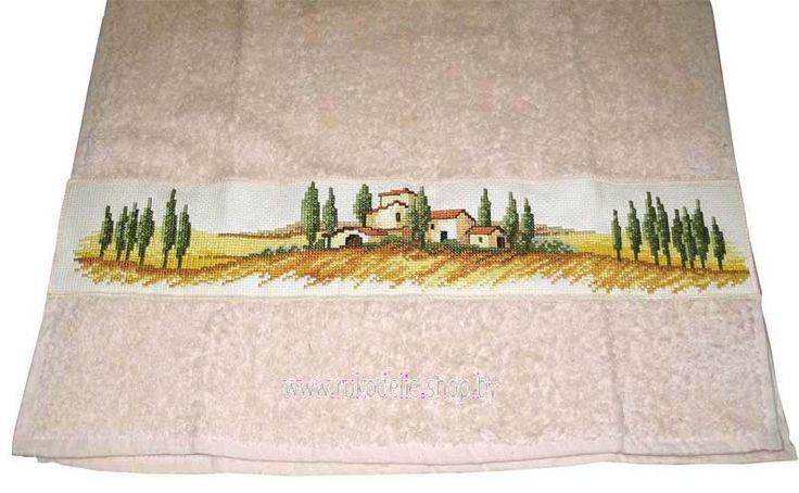 Украшаем полотенце вышивкой.
