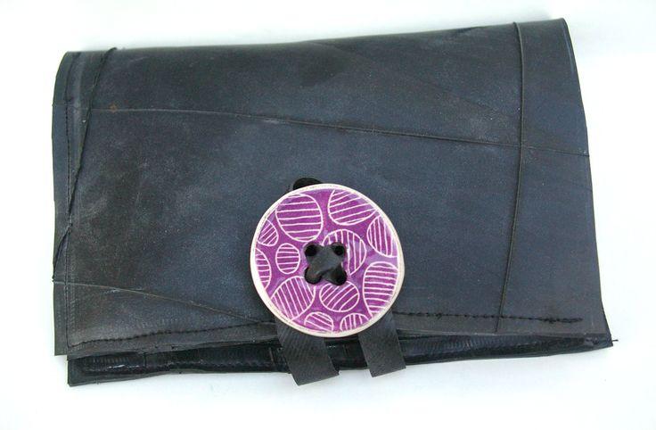 portafogli da donna in camera d'aria con bottone in ceramica viola-lilla