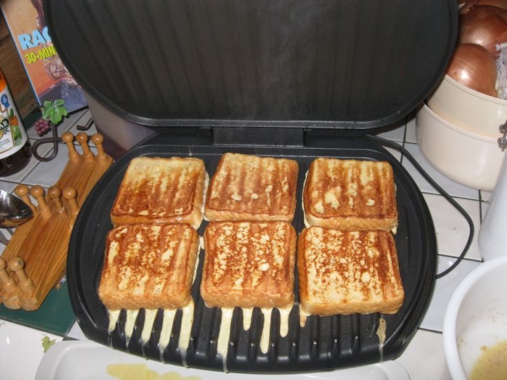 French toast on the George Foreman Grill - Talk about quick and easy breakfast!