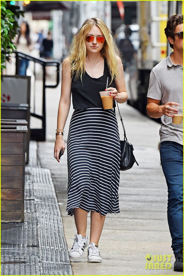 Dakota Fanning Steps Out For 'The Land' Screening in New York City | dakota fanning land screening friend coffee 07 - Photo