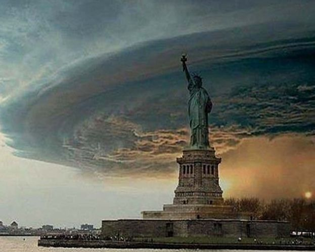 Statue of Liberty After Hurricane Sandy | Statue-of-Liberty-Hurricane-Sandy-hoax-photo1.png