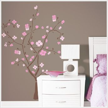Another wall sticker.  Something about the pink and brown together is just adorable.