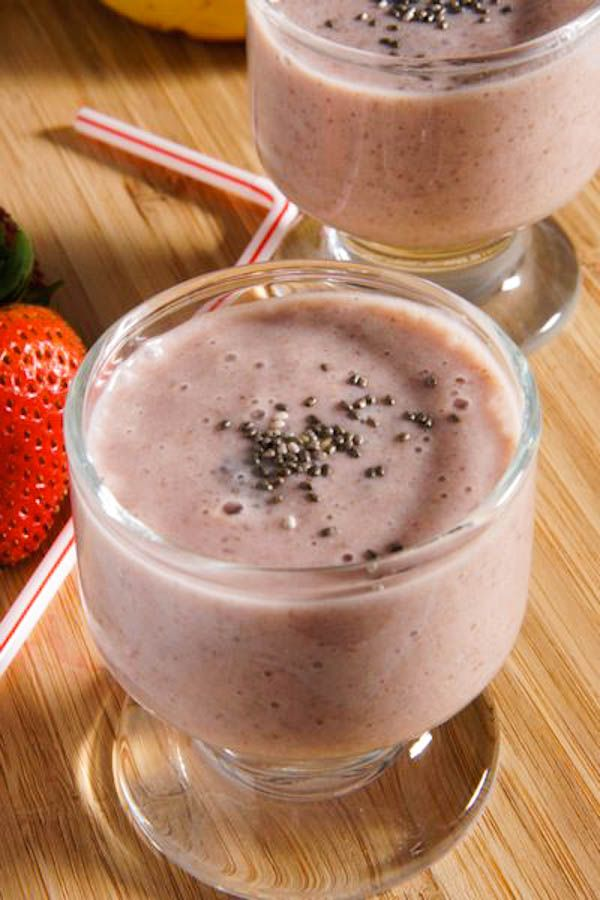 Banana, strawberry and chia seeds smoothie. This refreshing smoothie is a supercharged drink. Perfect to round out breakfast or a great snack. With over 5 grams of fiber per tablespoon and 2 grams of high quality plant protein, chia is a great way to add a super ingredient to your smoothie.