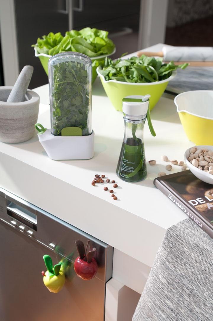 Mantén tus hierbas frescas en el refrigerador por más tiempo, Chef´n