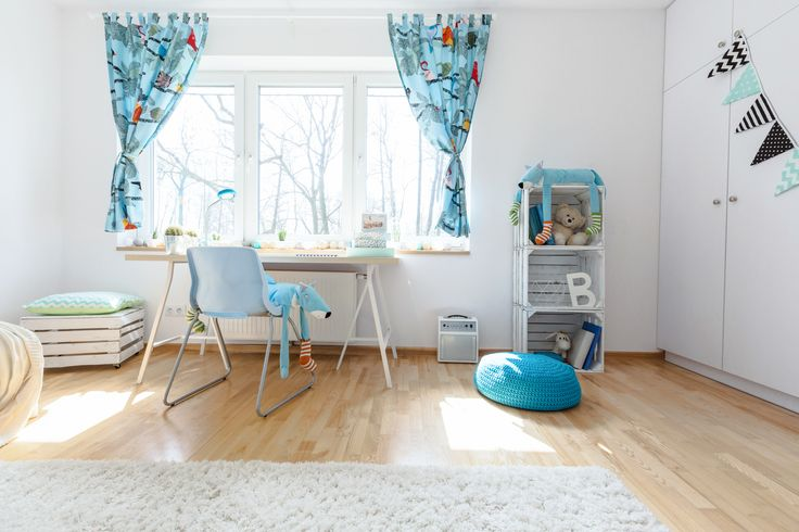Możecie pomalować także meble. Dodanie im koloru to szybki i tani sposób na odświeżenie wnętrza.