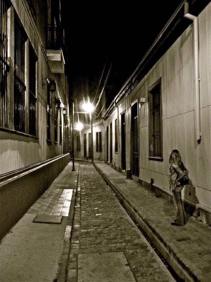 Callejon. Valparaiso, Chile