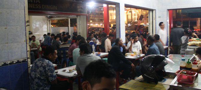 PONTIANAK, (TubasMedia.Com) – Anda pernah berkunjung ke Pontianak, Kalimantan Barat? Kalau pernah, pasti anda tahu arti Kopi Pancong bukan, apalagi jika anda sering mampir ke kedai-kedai kopi.