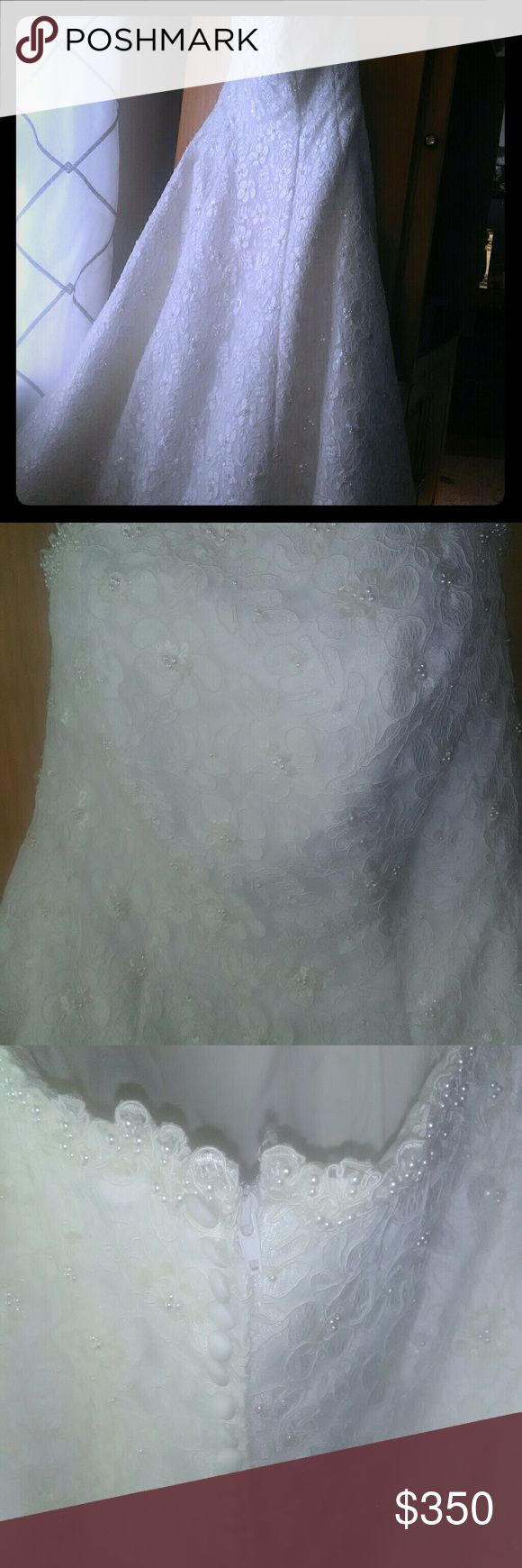 David's Bridal Wedding Gown Ivory,lace with pearls,strapless,bustle David's Bridal Dresses Wedding