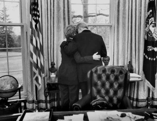 Bill & Hillary's last days in the White House with Bill as President - prior to Hillary becoming President