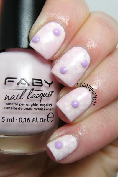 Pastel pink and lilac Spring flowers nail art