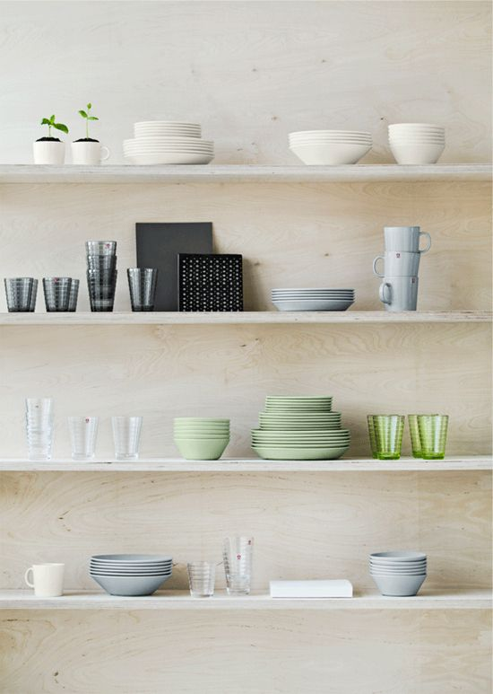 / I could NEVER make my dishes work on open shelves like this... One can dream, right?