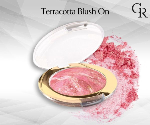 Gün boyu kalıcı ışıltılı ve sedefli renk seçenekleriyle makyajınızı tamamlayan Terracotta Blush On şimdi Eylül indiriminde. http://www.goldenrosestore.com.tr/terracotta-blush-on.html
