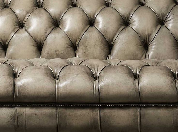 The Philip Stanhope Monochrome chesterfield sofa is hand-made in England, in compliance with the regulations of the Chesterfield Trade Association.