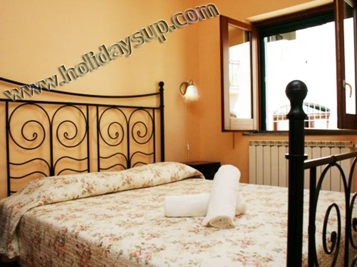 Double bedroom at residencesorrento in Amalfi coast with shared swimming pool - apartment in sorrento town center