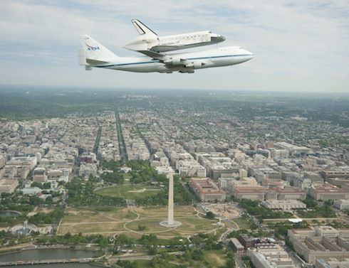 Discovery's last flight: Spaceshuttl, Spaces Shuttle Discovery, April 17, Carrier Aircraft, Shuttle Carrier, 747 Shuttle, Washington Dc, Photo, Space Shuttle